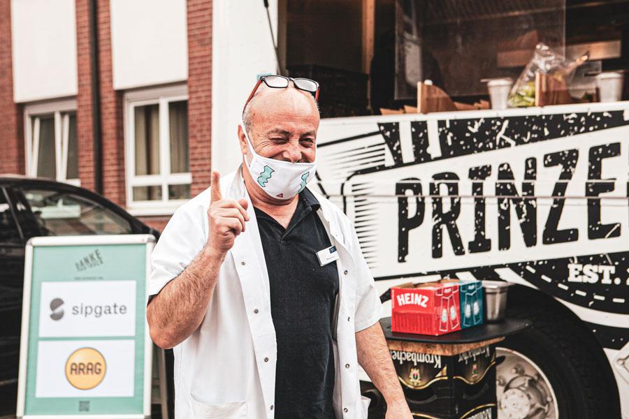 Danke Team Aktion Burger und Limonaden für systemrelevante Berufe Krankenhaus Foto-Feedback