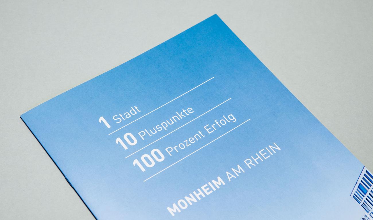 Monheim plus Logo Monheim am Rhein Imagebroschüre Zahlen Daten Fakten Titelseite